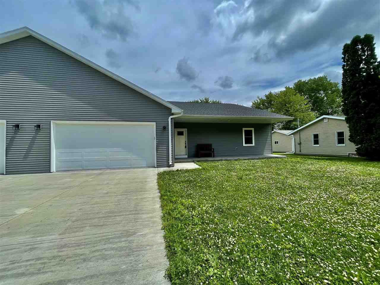 208 S WASHINGTON Street, Berlin, WI 54923 - MLS#: 50212965