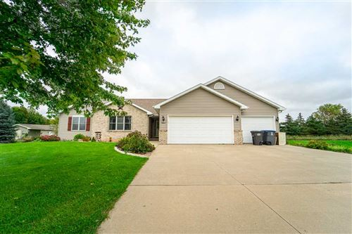Photo of W6608 FLAGSTONE Court, GREENVILLE, WI 54942 (MLS # 50211966)