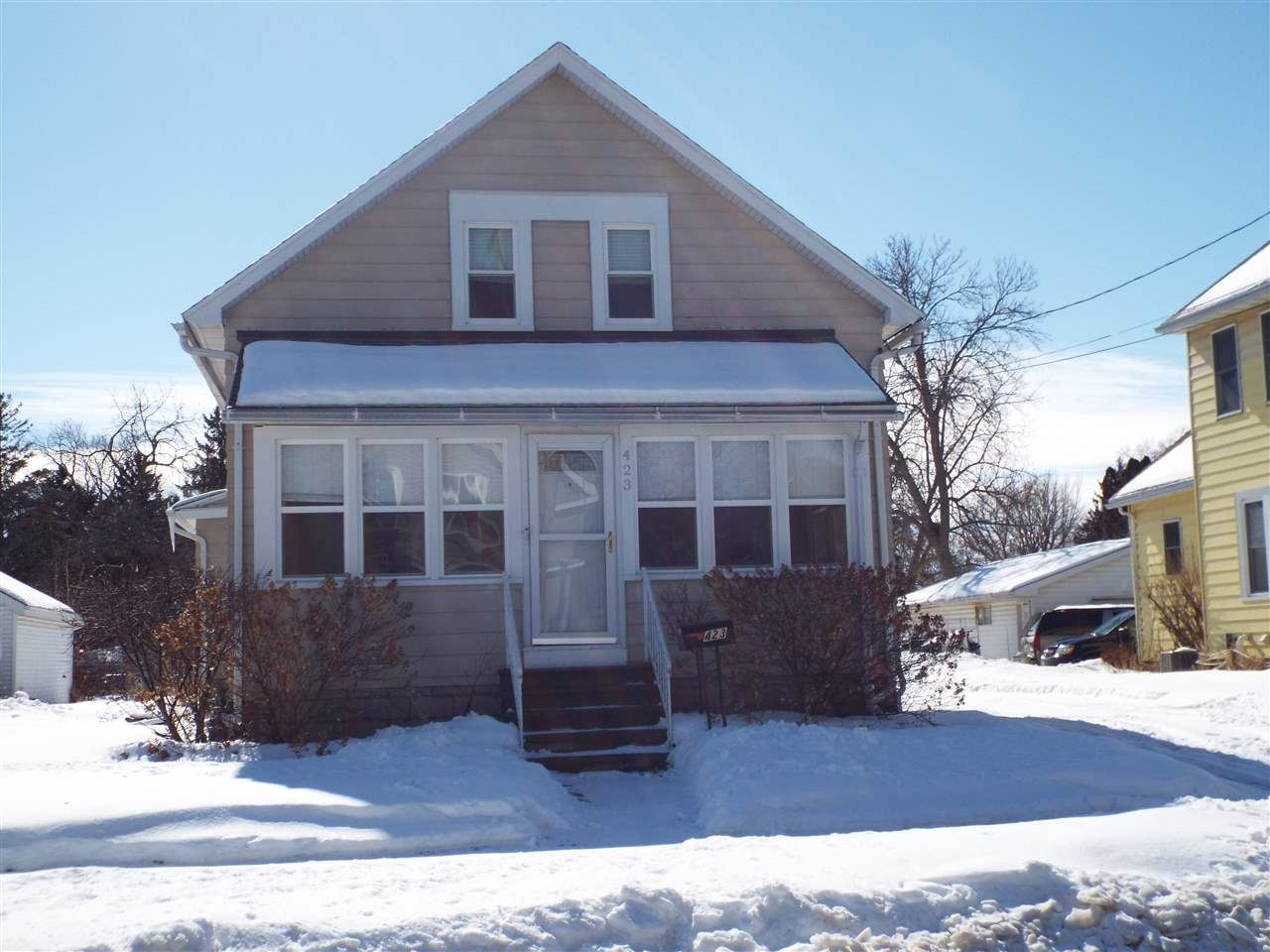 423 W 17TH Avenue, Oshkosh, WI 54902 - MLS#: 50235977