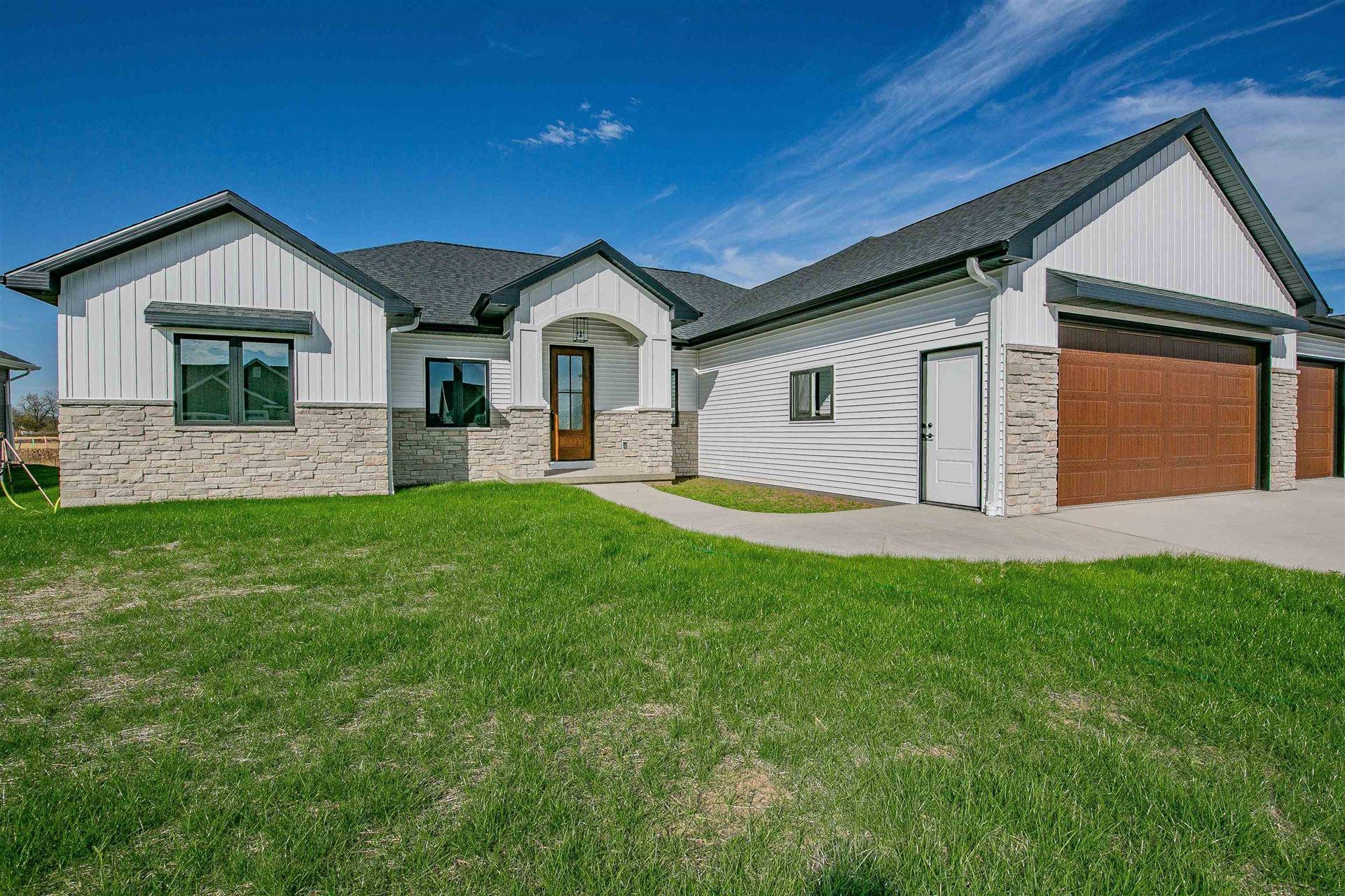 2925 E BLUETOPAZ Drive, Appleton, WI 54913 - MLS#: 50249980