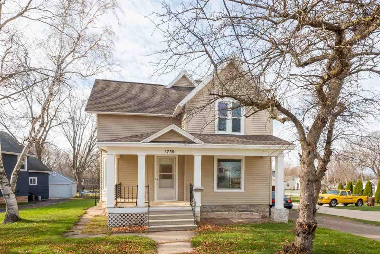 1739 ELMWOOD Avenue, Oshkosh, WI 54901 - MLS#: 50231985