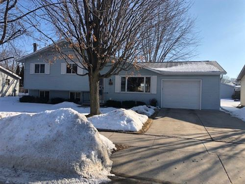 Photo of 990 HERITAGE Trail, OSHKOSH, WI 54904 (MLS # 50235986)
