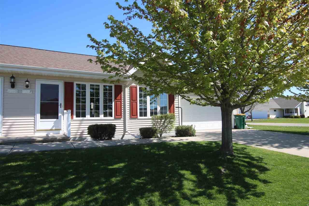 1097 PRIMROSE Lane, Fond du Lac, WI 54935 - MLS#: 50239994
