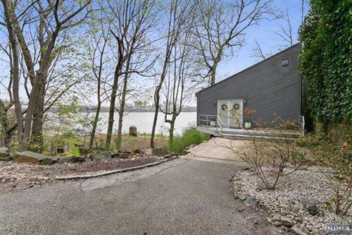 Photo of 7 Washington Lane, Edgewater, NJ 07020 (MLS # 21013040)