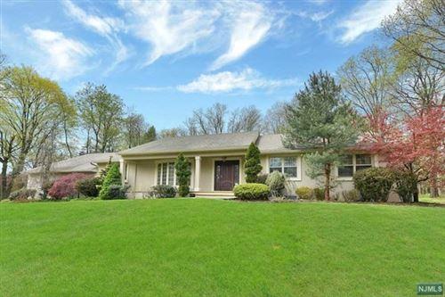 Photo of 572 Kiowa Drive, Franklin Lakes, NJ 07417 (MLS # 21002043)