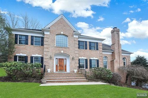 Photo of 2 Kingsberry Court, Upper Saddle River, NJ 07458 (MLS # 21001062)