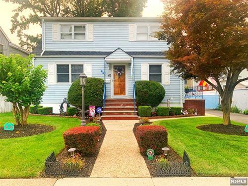 Photo of 34 Westview Drive, Bergenfield, NJ 07621 (MLS # 21031083)