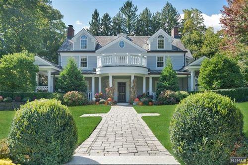 Photo of 276 Manor Road, Ridgewood Village, NJ 07450 (MLS # 21002113)