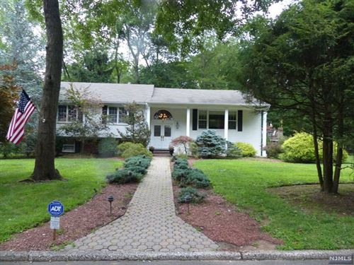Photo of 10 Deer Trail, Old Tappan, NJ 07675 (MLS # 20005115)