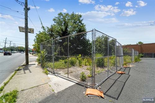 Photo of 400 South Washington Avenue, Bergenfield, NJ 07621 (MLS # 21026117)