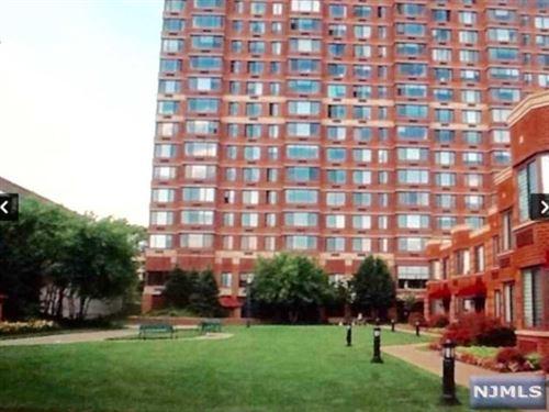 Photo of 100 Old Palisade Road #3815, Fort Lee, NJ 07024 (MLS # 20027118)