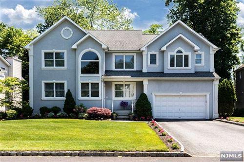Photo of 6 Olde Woods Lane, Montvale, NJ 07645 (MLS # 21023122)