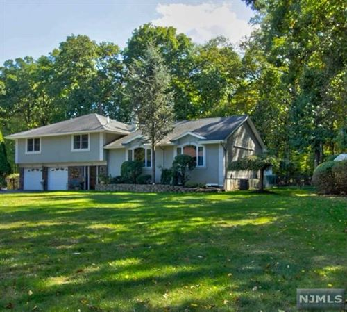 Photo of 21 Lawrence Court, Old Tappan, NJ 07675 (MLS # 21011147)