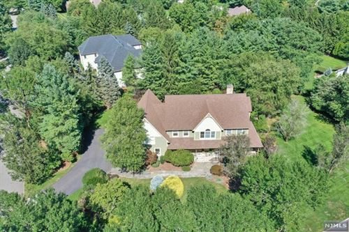Photo of 15 Sunflower Drive, Upper Saddle River, NJ 07458 (MLS # 20033154)