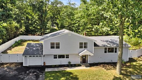 Photo of 10 Chicasaw Drive, Oakland, NJ 07436 (MLS # 21029173)