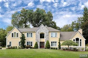 Photo of 14 West Hill Road, Woodcliff Lake, NJ 07677 (MLS # 1946184)