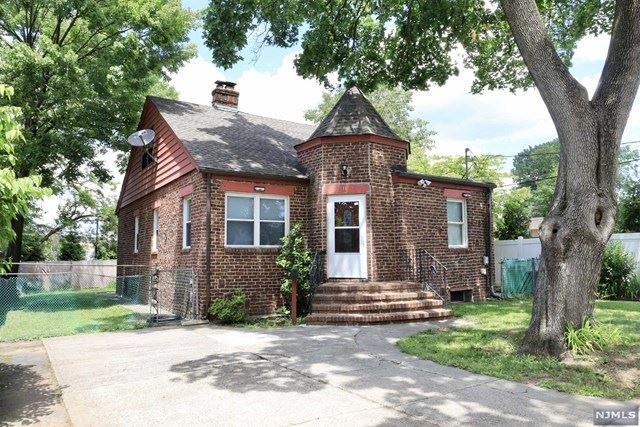 11 West Englewood Avenue, Bergenfield, NJ 07621 - MLS#: 21040192