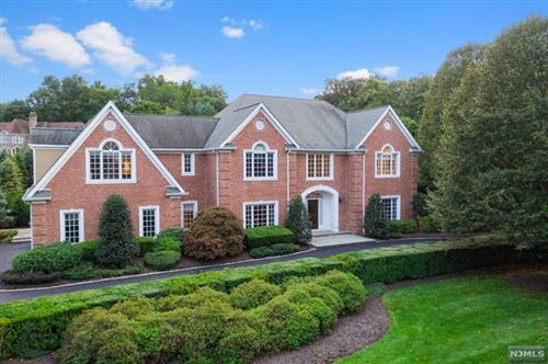 Photo of 302 Water View Drive, Franklin Lakes, NJ 07417 (MLS # 20039249)