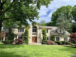 Photo of 8 Kenilworth Drive, Cresskill, NJ 07626 (MLS # 1930292)