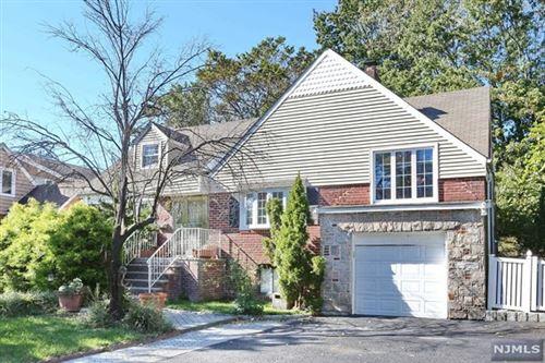 Photo of 1147 Cumbermeade Road, Fort Lee, NJ 07024 (MLS # 21042302)