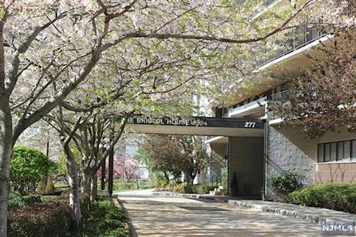 Photo of 277 Prospect Avenue #6D, Hackensack, NJ 07601 (MLS # 21004313)