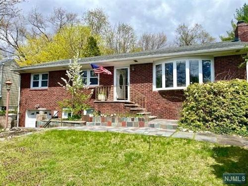 Photo of 112 Lakeshore Drive, Oakland, NJ 07436 (MLS # 21014341)