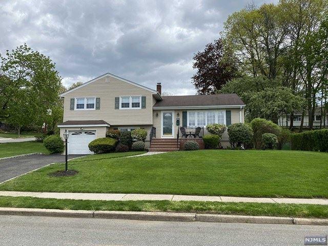 382 Leonard Drive, New Milford, NJ 07646 - MLS#: 21016387