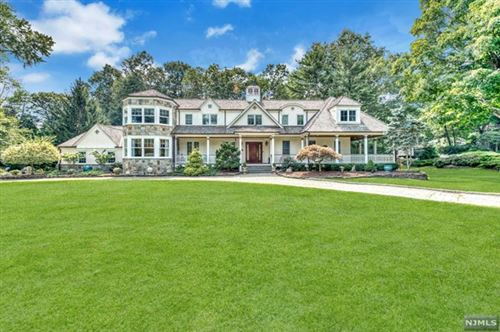 Photo of 286 Indian Trail Drive, Franklin Lakes, NJ 07417 (MLS # 20035390)