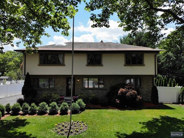 92 Regis Court, Paramus, NJ 07652 - #: 20026422