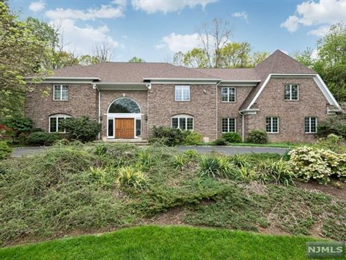 Photo of 26 Sunflower Drive, Upper Saddle River, NJ 07458 (MLS # 21006429)