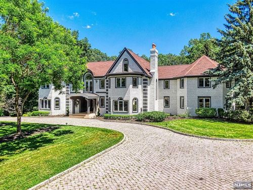Photo of 6 Country Squire Road, Saddle River, NJ 07458 (MLS # 21024465)