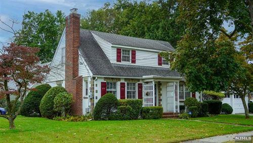 Photo of 32 Thornbury Avenue, Glen Rock, NJ 07452 (MLS # 21040484)