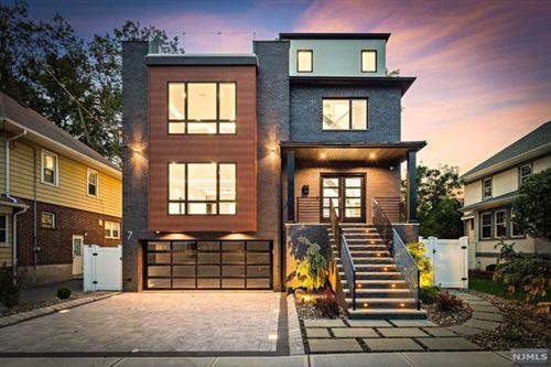 Photo of 7 Everett Place, Cliffside Park, NJ 07010 (MLS # 21036497)