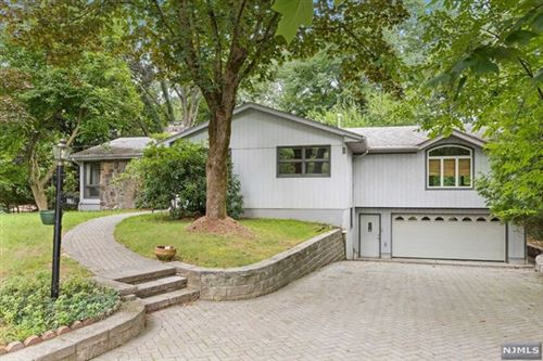 Photo of 2 Lawrence Court, Old Tappan, NJ 07675 (MLS # 21034514)
