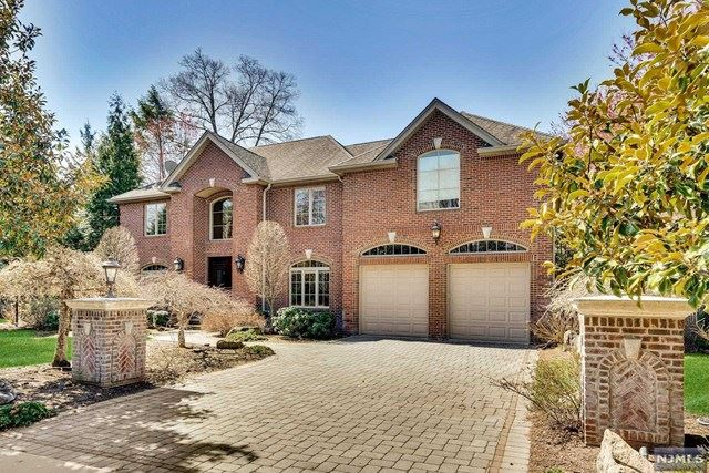 38 Laurence Court, Closter, NJ 07624 - #: 21012514