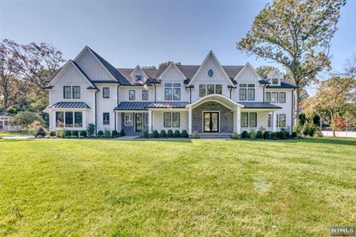 Photo of 220 Mulberry Way, Franklin Lakes, NJ 07417 (MLS # 21041551)