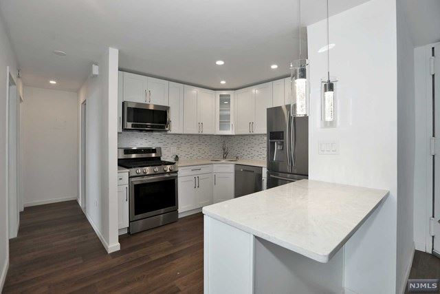 555 North Avenue #21J, Fort Lee, NJ 07024 - MLS#: 20032561