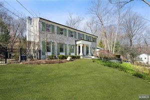 Photo of 679 Cheyenne Drive, Franklin Lakes, NJ 07417 (MLS # 1915575)