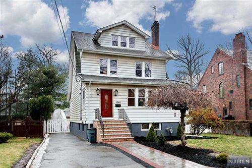 Photo of 1046 Cumbermeade Road, Fort Lee, NJ 07024 (MLS # 21011633)