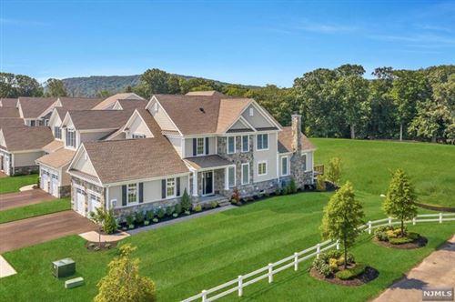 Photo of 19 Pleasant View Lane, Franklin Lakes, NJ 07417 (MLS # 21000637)