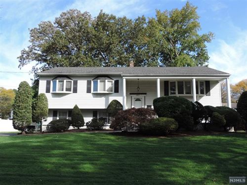 Photo of 281 Columbia Terrace, Paramus, NJ 07652 (MLS # 21041663)
