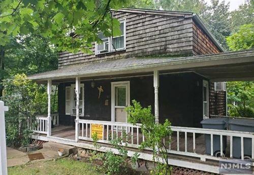 Photo of 203 Pascack Road, Park Ridge, NJ 07656 (MLS # 21037681)
