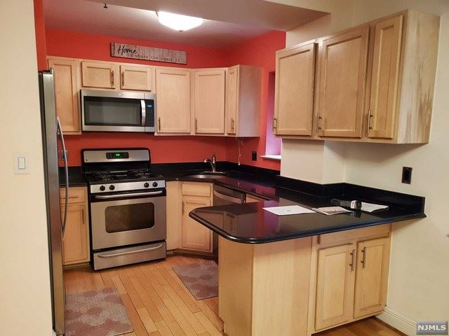 70 South Munn Avenue #314, East Orange, NJ 07018 - MLS#: 21009691