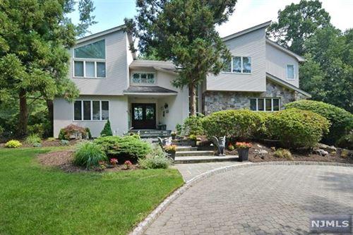Photo of 60 Heather Court, Allendale, NJ 07401 (MLS # 21027719)