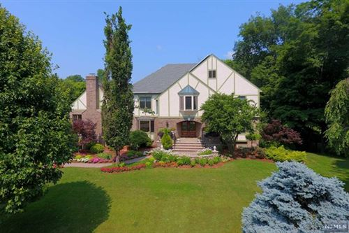 Photo of 38 Knights Court, Upper Saddle River, NJ 07458 (MLS # 20015739)