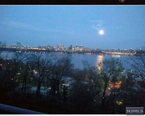 Photo of 3 Horizon Road #G-7, Fort Lee, NJ 07024 (MLS # 21023766)