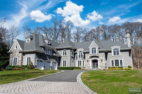 Photo of 243 Glen Place, Franklin Lakes, NJ 07417 (MLS # 21012769)