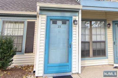 Photo of 23 Eakens Court, Mahwah, NJ 07430 (MLS # 20043786)