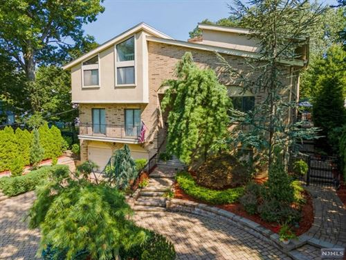 Photo of 62 West Bayview Avenue, Englewood Cliffs, NJ 07632 (MLS # 21039793)