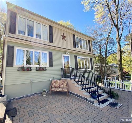 Photo of 4 Wenonah Avenue, Oakland, NJ 07436 (MLS # 21013803)